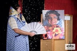 spectacle de magie comique et drôle, instituteur magicien, une comédie remplis de malices et de complicités