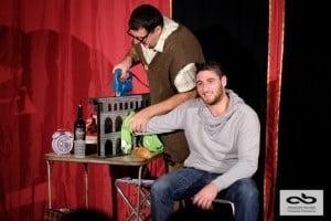 Un spectacle de type comedy magique, remplis de tours de magie. un spectacle de type café théâtre